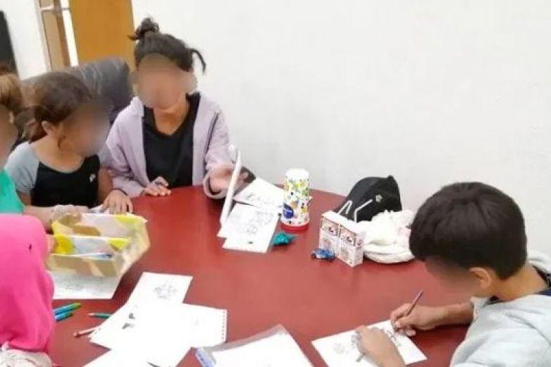 Abandonan a 5 menores en Morelia y policía los resguarda