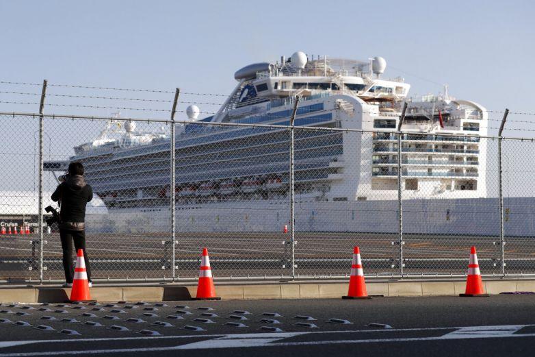 Pasajeros de crucero se infectan con nuevo coronavirus