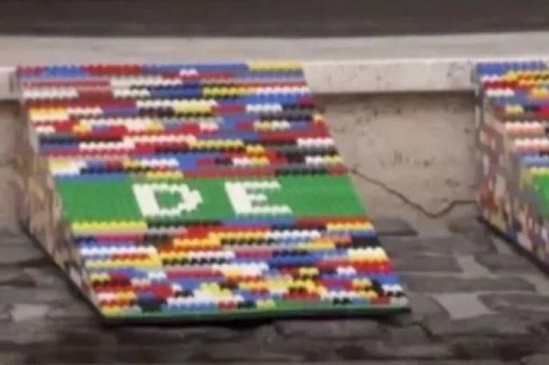 Llena su ciudad con rampas para sillas de ruedas hechas de Lego