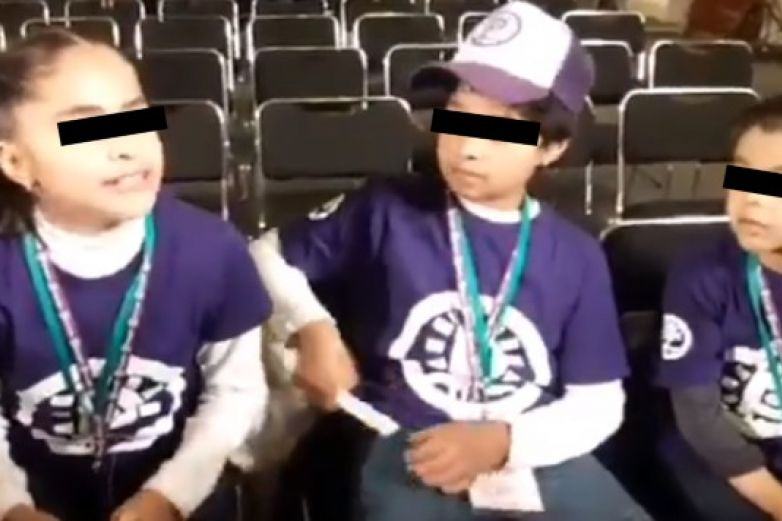 Niños reporteros acuden a 'mañanera' y AMLO no les da la palabra