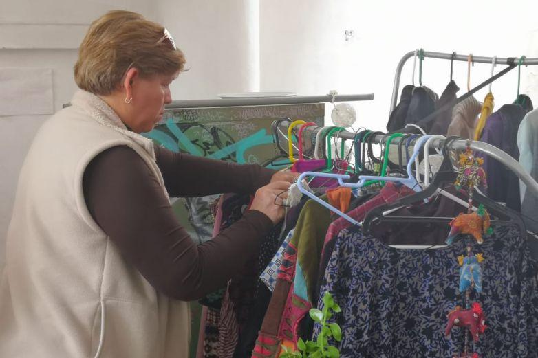 Comprar ropa en las segundas es tendencia; dejó de ser negativo