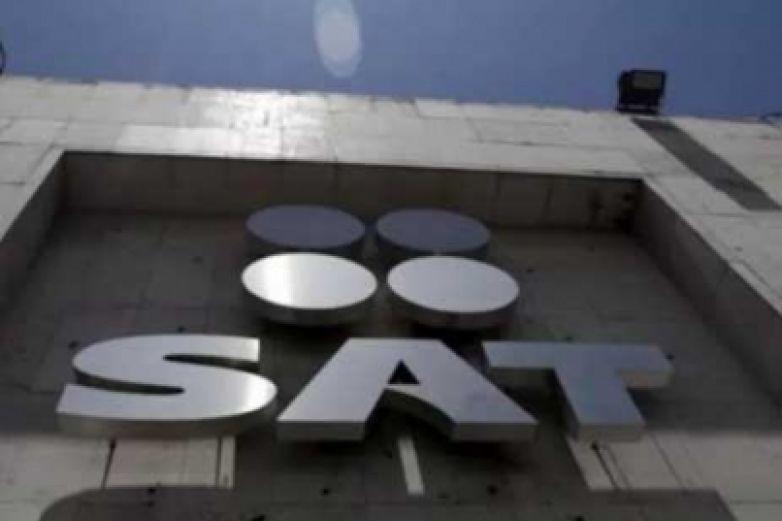 SAT denuncia a 70 funcionarios por evasión de impuestos
