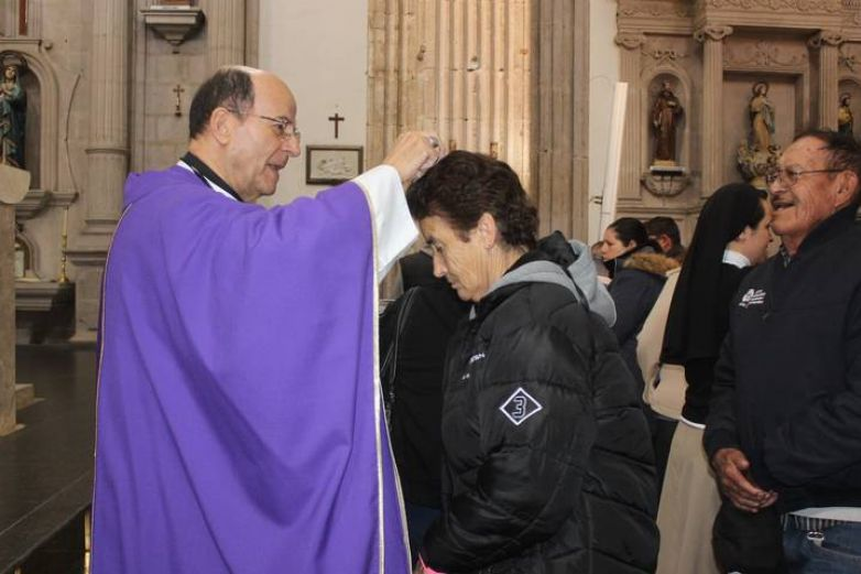 Celebrará Iglesia católica la Semana Santa a puerta cerrada por Covid-19