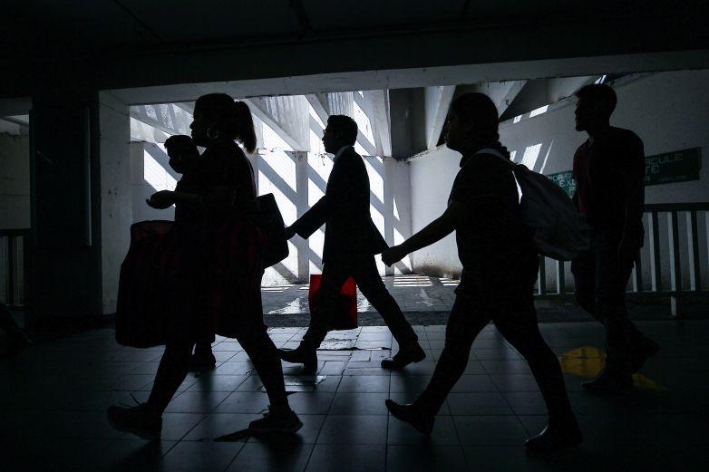 Regresan al país 366 mexicanos varados en Colombia
