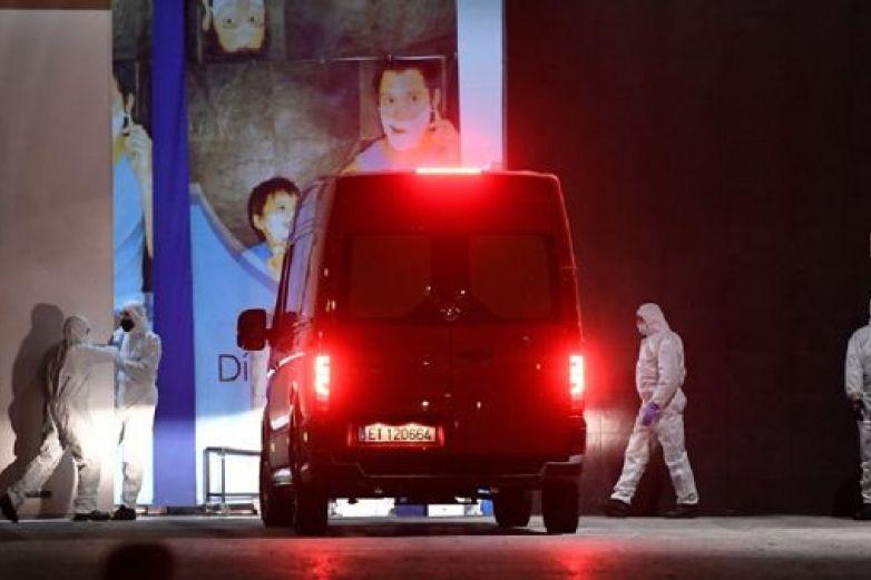 Apedrean ambulancias con adultos mayores con Covid-19 en España
