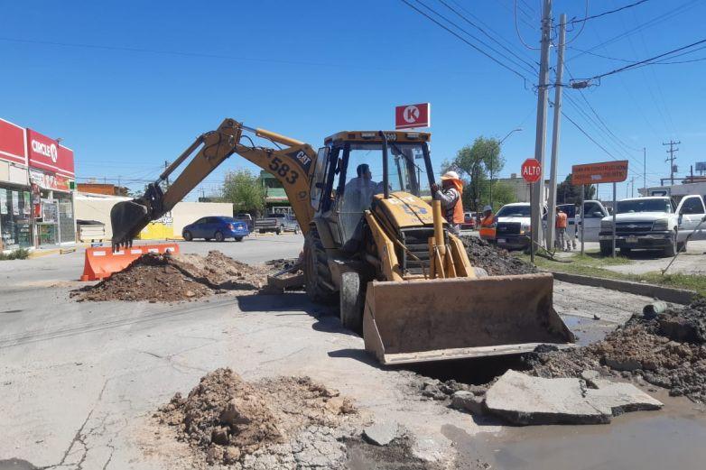 Repara JMAS socavón en la Melchor Ocampo