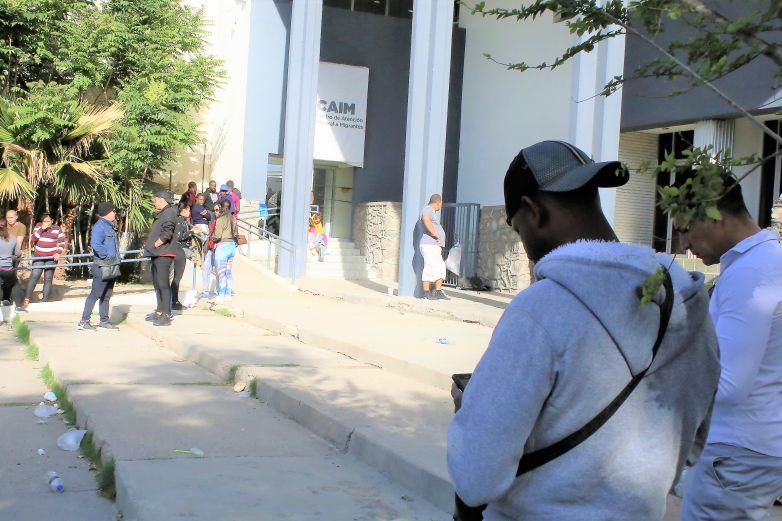 Buscan estrategias para prevenir que migrantes contraigan Covid-19