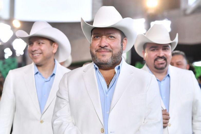 Ofrece Beto Zapata concierto en línea
