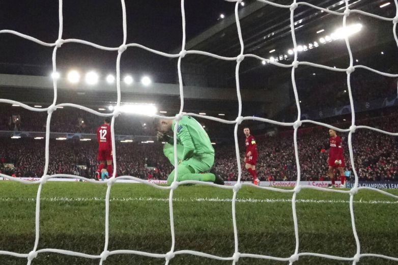Liverpool pone de licencia a empleados
