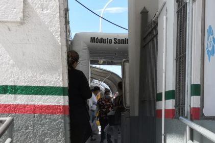 Instalan túnel sanitizador en el Puente Paso del Norte