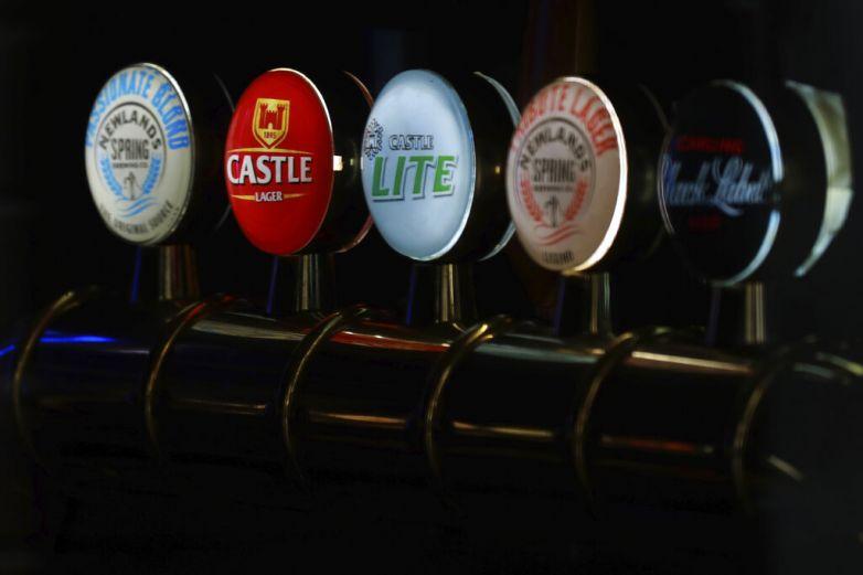 En riesgo millones de litros de cerveza de planta en Sudáfrica