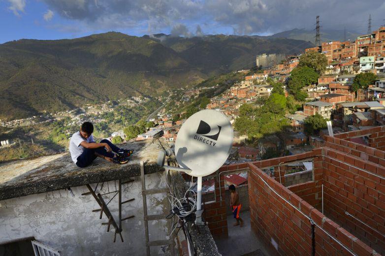Se apodera Venezuela de bienes y equipo de DirecTV en el país