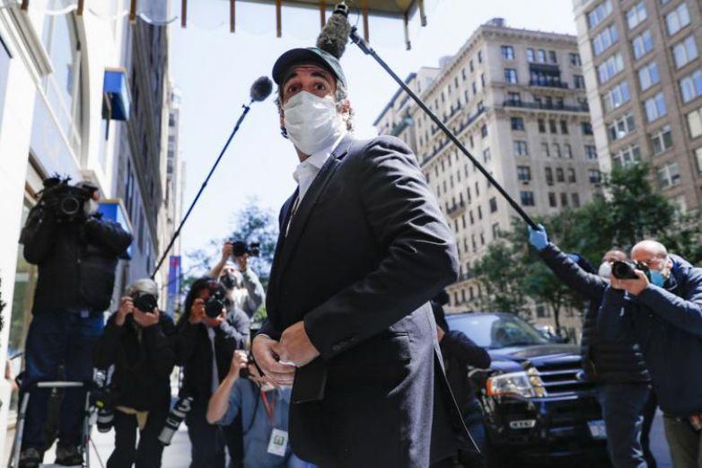 Detienen de nuevo a exabogado de Trump tras polémica foto en restaurante