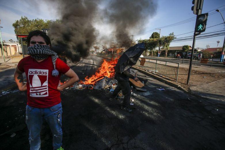 Protestas en Chile ante pandemia llegan a los disparos