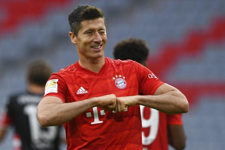 Bayern aplasta al Fortuna y amplía a 10 puntos su ventaja