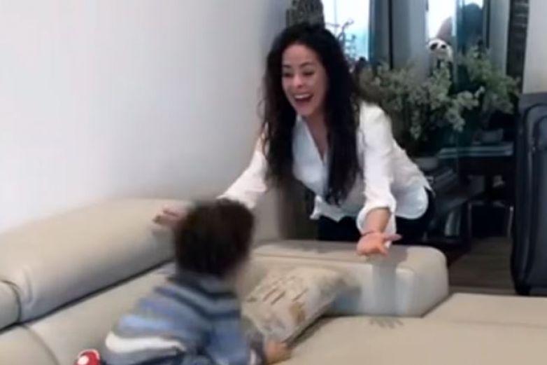 Entre lágrimas, Danna García se reencuentra con su hijo