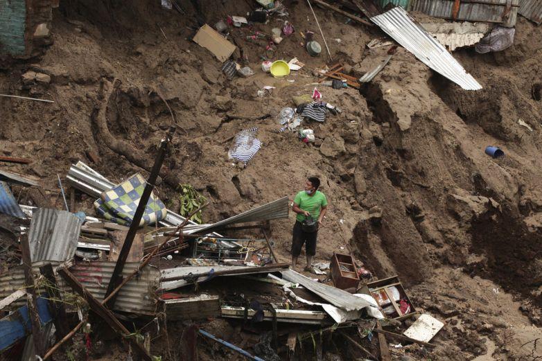 Lluvias dejan 11 muertos en El Salvador