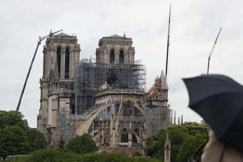 Reabren patio de Notre Dame