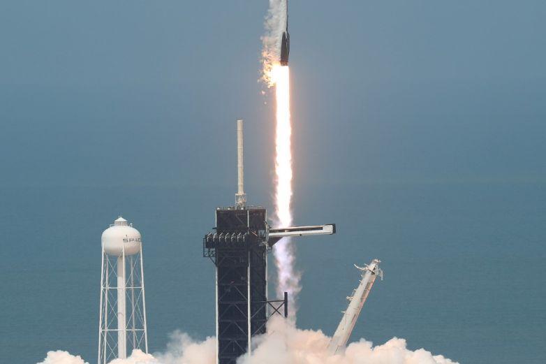 Astronautasde SpaceX abordan la Estación Internacional