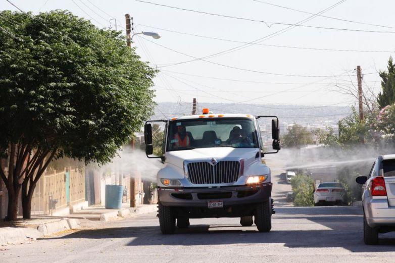 Sanitizan 147 colonias de Juárez
