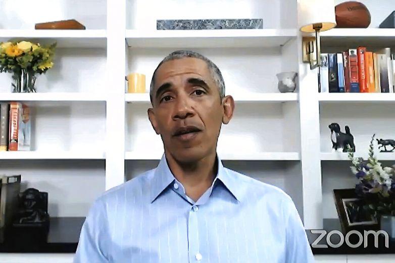 Obama da paso al frente en momentos de crisis nacional