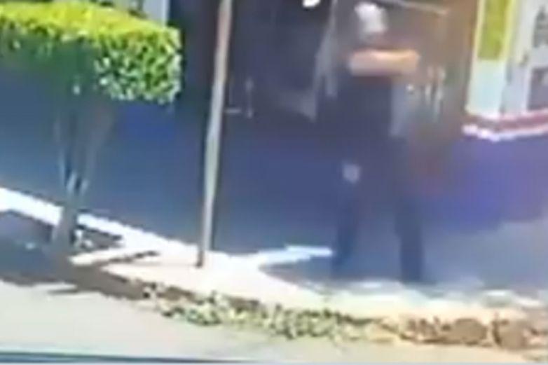 ¿Moto fantasma? Policía dispara contra motocicleta que nadie más vio