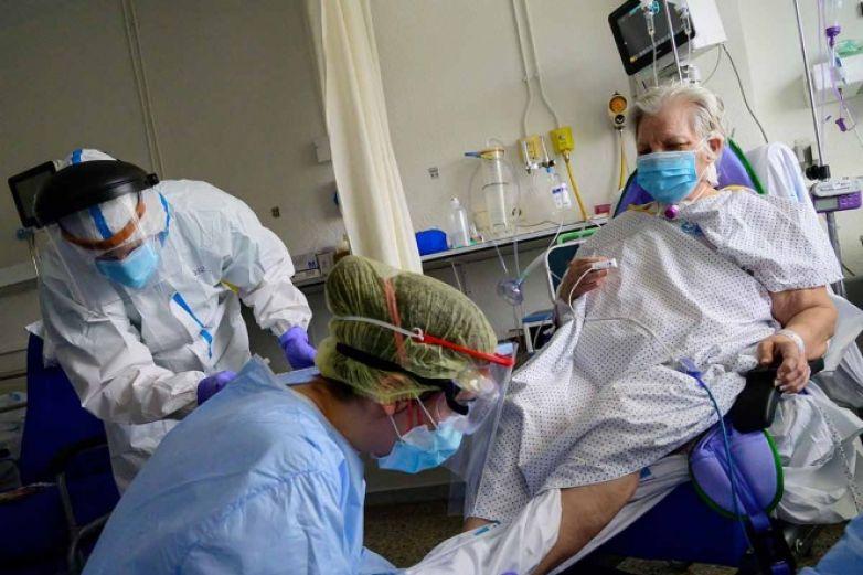 Confirman 20 casos de Covid-19 en hospital de España