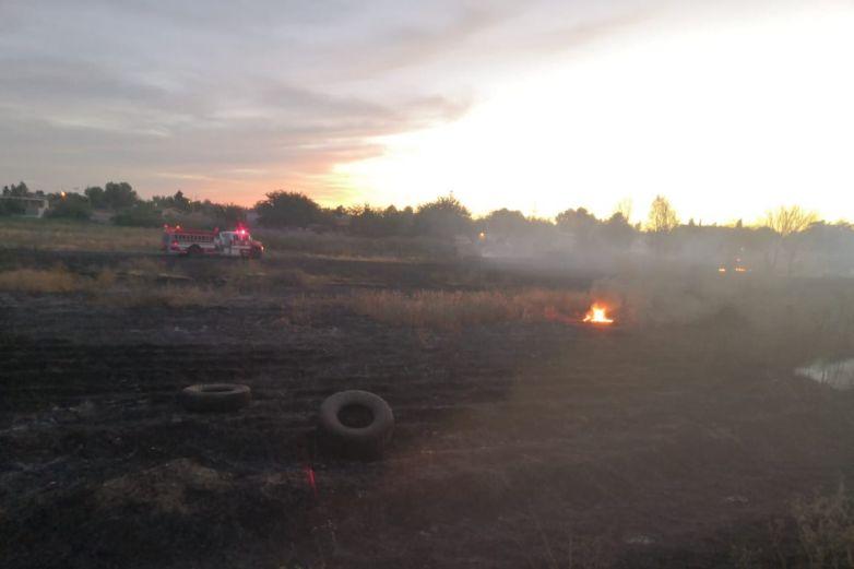 Sofoca Bomberos incendio en lote de El Sauzal