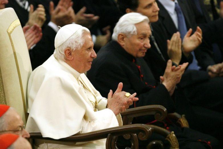 Benedicto XVI se enfermó después de viajar a Bavaria