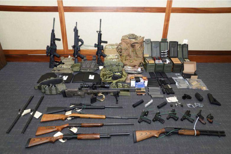 Revisión de antecedentes para comprar armas alcanza récord en EU