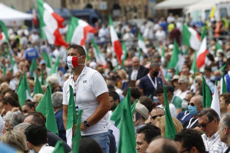 Italia registra aumento de contagios