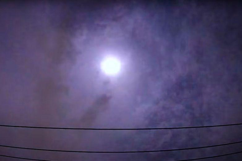 Meteoro explota liberando una energía equivalente a 150 toneladas de TNT