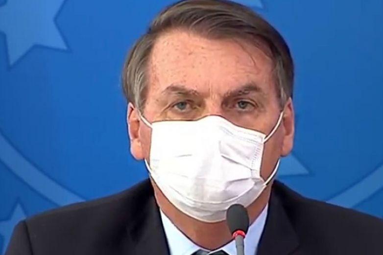 Bolsonaro dice que tuvo 'moho' en los pulmones tras Covid-19