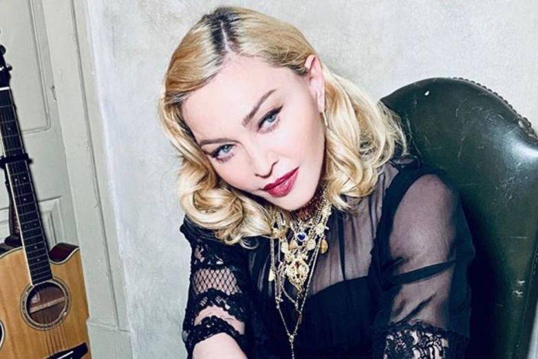 Madonna desafía a las redes y muestra ardiente foto