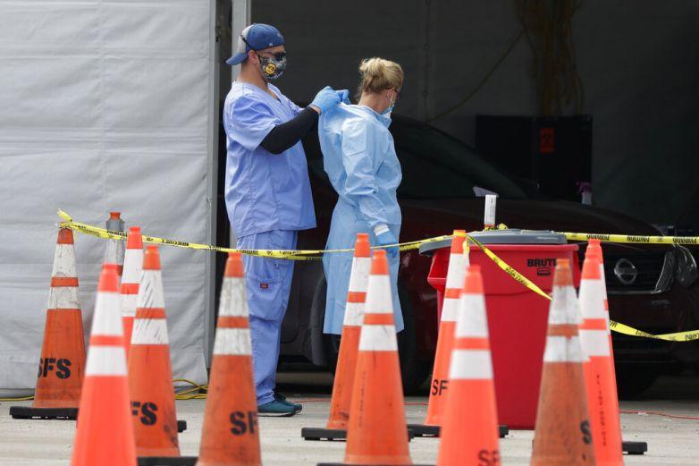 Escasea equipo protector para personal de salud en EU