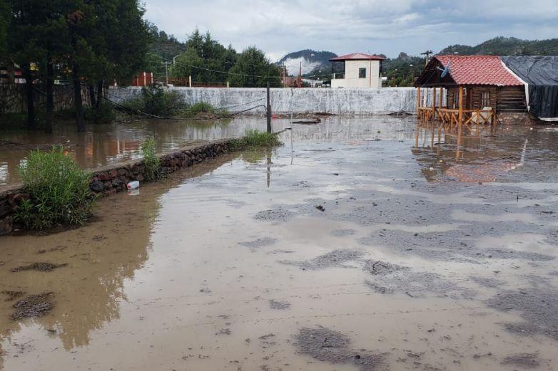 Inundaciones afectan a familias de Ocampo