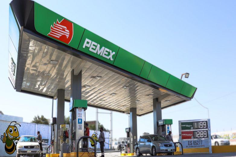 Baja gasolina Magna a menos de 12 pesos por litro