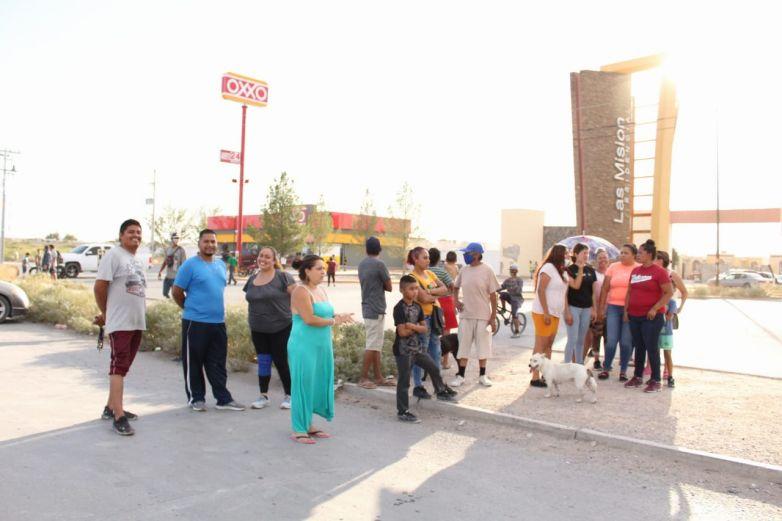 Bloquean calle en protesta por falta de energía