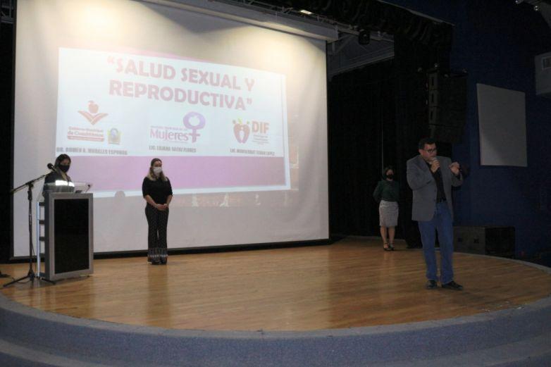 Llevan plática sobre salud reproductiva a mujeres meretrices