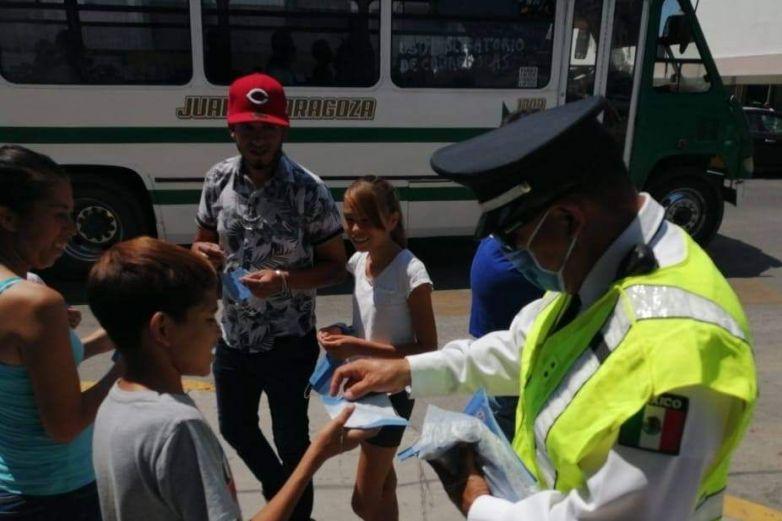 Entrega Vialidad cubrebocas en la zona Centro