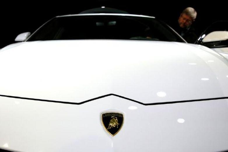 Youtuber pone a prueba el primer y único Lamborghini blindado