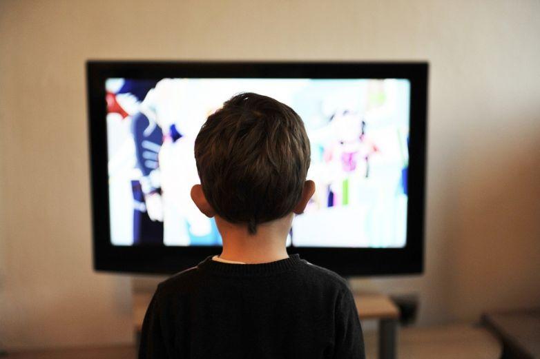 Televisoras transmitirán clases en línea a 30 millones de estudiantes