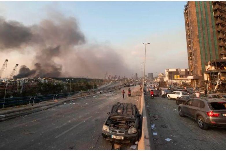 Al menos 25 muertos y más de 2 mil 500 heridos por explosión en Beirut