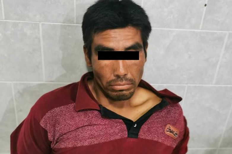 Lo arrestan por acuchillar a hombre y agredir a policía