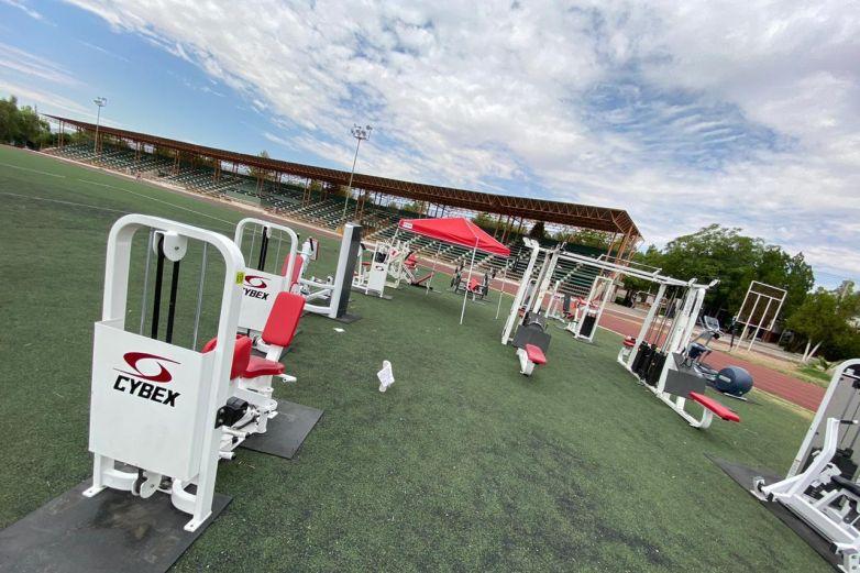 Activan gimnasio al aire libre en Estadio 20 de Noviembre