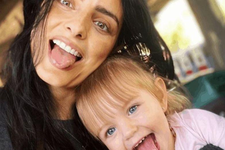 Llaman 'piraña' a hija de Aislinn Derbez por sus dientes; ella responde