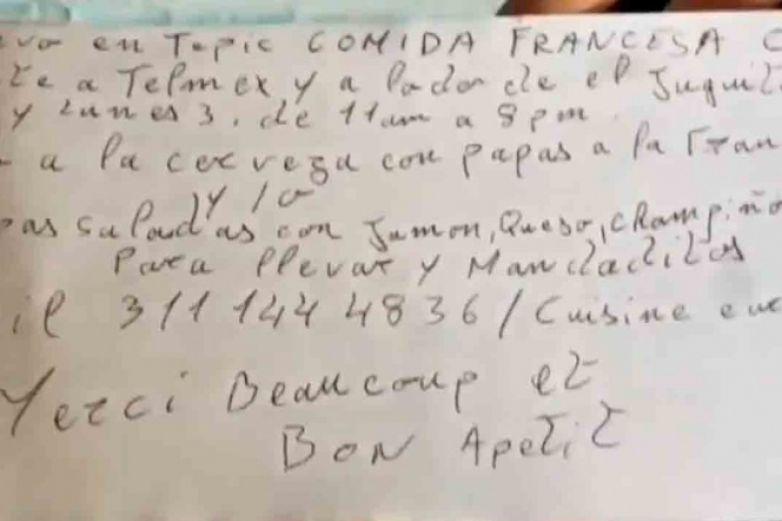 Mochilero francés hace viral su negocio con volantes escritos a mano
