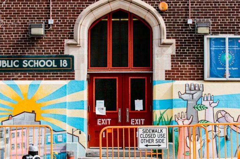 Autoriza NY apertura de escuelas en septiembre
