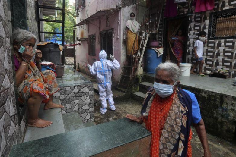 India reporta 53 mil 601 casos nuevos de coronavirus en un día