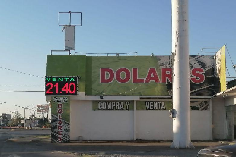 Se mantiene dólar en 21.40 pesos a la venta